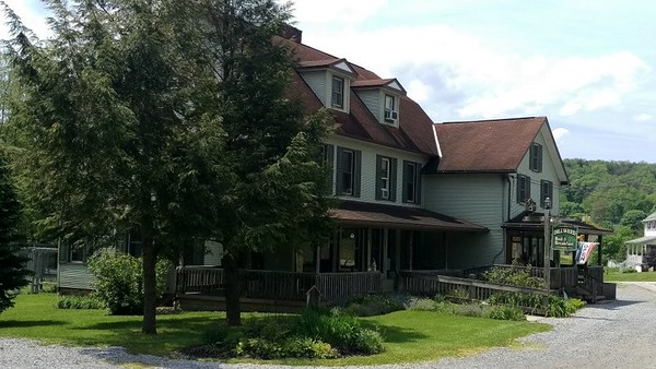 The Dillweed Bed & Breakfast & Trail Shop