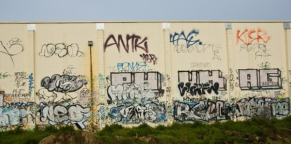 Trackside graffitis Auckland New Zealand - Aug 07