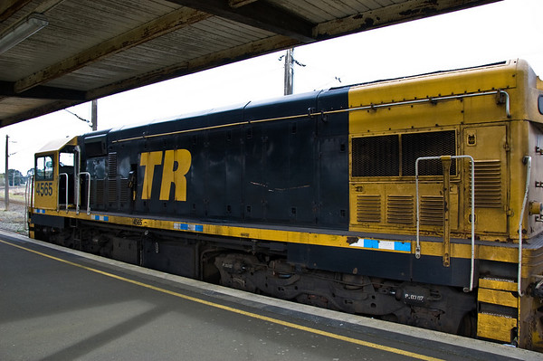 Overlander diesel locomotive Hamilton train station New Zealand - Aug 07