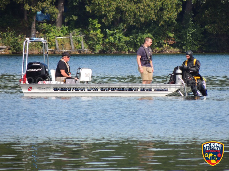 The Sheboygan County Dive Team conducted training on Crystal Lake on Tuesday, September 9, 2014. Photo by Asher Heimermann/Incident Response.