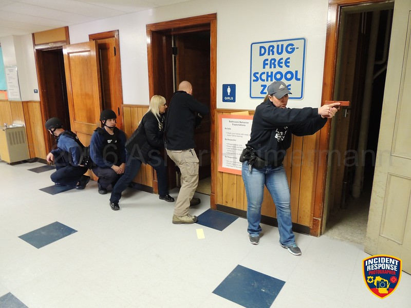 Officers from the Sheboygan Police Department and firefighter paramedics from the Sheboygan Fire Department trained for active shooter situations at the former Washington Elementary School on Tuesday, January 19, 2016. Photo by Asher Heimermann/Incident Response.