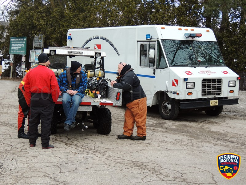 The Sheboygan County Dive Team conducted ice water rescue training at Crystal Lake on Saturday, February 25, 2016. Photo by Asher Heimermann/Incident Response.