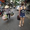 Hanoi_street_tourist