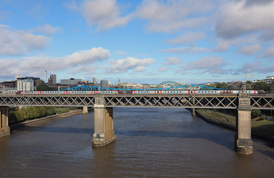220008 & 220010 at Newcastle King Edward VII Bridge on 23rd September 2021