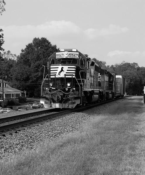 Norfolk Southern GP38-2 - 5567 - Norcross Station, GA
