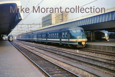 NS  - Nedelandsche Spoorwegen - Dutch Railways An unidentified Mat '64 Plan 'T' Apekop (Monkeyhead) electric multiple unit at Rotterdam CS on 2/4/71. [Mike Morant collection]