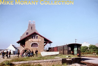The neat little Réseau Breton Gare de Camaret-sur-Mare photographed on 16/5/64. [Mike Morant collection]