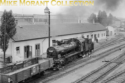 Romania  -  CFR  - 0-10-0 no. 50.381 shunts at Clut. [Mike Morant collection]