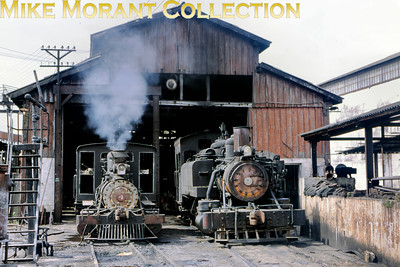 0-4-2T no. 4 on the left and 1311 on the right. Mill: 211 Ruben Martinez Villena Engine no.: 1311 Wheels: 2-6-2T Gauge: standard Builder: Baldwin 24839/1904 Photo date: 19/3/93 Photograph: Basil Roberts / Mike Morant collection