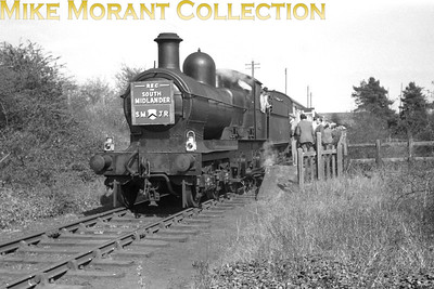 REC: The South Midlander 24/4/55 GWR Dukedog 4-4-0 no. 9015 during a photostop at Bidford-on-Avon station which had closed on 16/6/47. [Mike Morant collection]