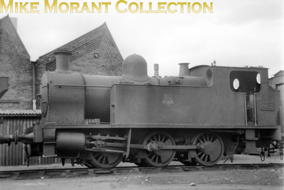 Newport Pill shed plays host to Kerr Stuart built 0-6-0T no. 667 on 12/4/53. No. 657 was KS works no. 3073 and entered service with the Alexandra Dock Company in August 1917 amd survived until November 1954.