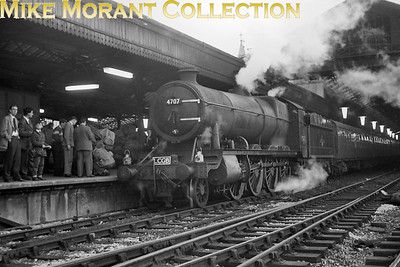 LCGB: The Somerset and Dorset Rail Tour 30/9/62 GWR Churchward 4700 class 2-8-0 no. 4707 is in place to haul the last leg of this tour from Bristol temple Meads to Paddington but the intention to send 4707 to her home shed of Southall was thwarted by a hot box en route and so replacement motive power in the form of Hawksworth County 4-6-0 no. 1007 County of Brecknock was used from Didcot onwards. 4707 survived the ordeal and was eventually withdrawn whilst allocated to Old Oak Common in May 1964. [Mike Morant collection]
