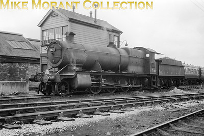 GWR, Churchward designed 2800 class 2-8-0 no. 2872 stands alongside the signal box by Taunton loco on 6/5/62. No. 2872 was an 86E Severn Tunnel Junction engine at the time and would see her time out at the same shed in August 1963. [Mike Morant collection]