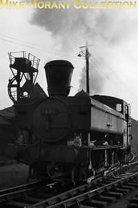Collett 1600 class 0-6-0PT no. 1661 with spark arrester at 85A Worcester mpd in January 1964. [A. E. 'Dusty' Durrant / Mike Morant collection]