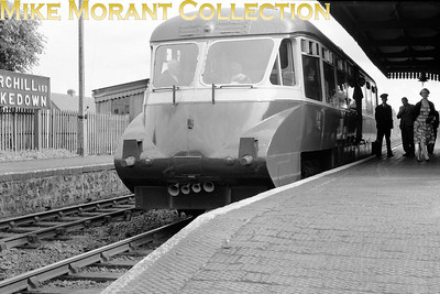 An unidentified example of the original series of GWR Collett railcars, known as 'Flying Bananas', at Churchill & Blakedown station.