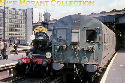LCGB/REC: The Thames Valley Rail Tour 25/7/65 Willesden allocated, green liveried Ivatt 2MT 2-6-0 no. 46509 awaits departure from Waterloo in the lee of 4-Sub no. 4367.