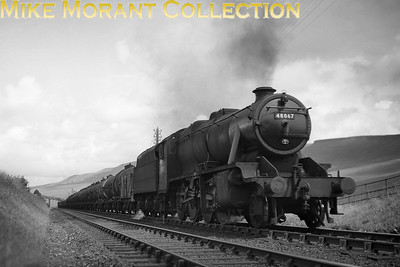 LMSR Stanier 8F 2-8-0 no. 48067 at Ais Gill on the Settle & Carlisle line.