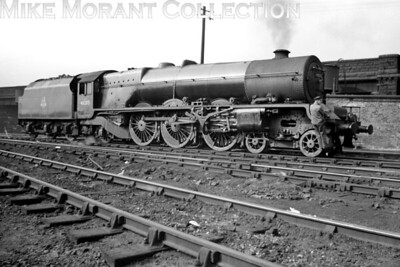 Stanier Princess Royal pacific no. 46205 Princess Victoria at Edge Hill mpd. The rather large motion bracket was fitted in 1938 when 6205's valve gear was changed from Inside sets of valve gears and replaced by rocking levers. [Mike Morant collection]