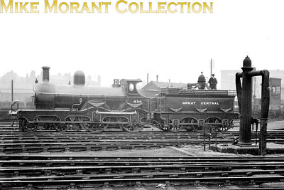 Greatr Central Railway liveried Sacre 6B class outside framed 4-4-0 no. 436 at Manchester in 1912.
