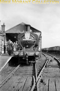 RCTS: Hertfordshire Rail Tour 30/4/55 Ivatt J52 0-5-0ST no. 68878, a 34A King's Cross engine, at St. Albans Abbey  station. [Mike Morant collection]