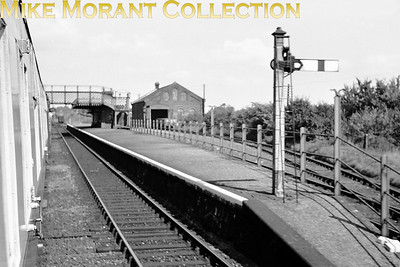 Chappel & Wakes Colne station on 6/9/53. [Mike Morant collection]