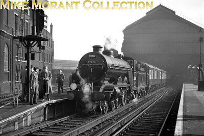 RCTS: Brighton Works Centenary Special 5/10/52 Former LBSCR Marsh H2 class 4-4-2 no. 32424 Beachy Head with its rake of Pullman cars ready to depart from Brighton station. This tour would be repeated in foul weather on 19/10/52 with 32425 Trevose Head as the motive power. [Mike Morant collection]