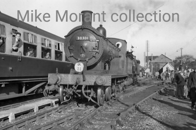 RCTS: The Hampshireman 6/2/55 Drummond T9 class 4-4-0 no. 30301 at Petersfield. [Mike Morant collection]