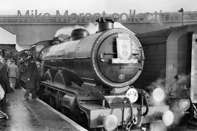 RCTS: The Hampshireman 6/2/55 Marsh H2 atlantic no. 32421 South Foreland at the unlikely location  - for this class -  of Waterloo station. In fact, 32421's involvement in this railtour was quite brief and didn't get within spitting distance of Hampshire as its scheduled duty ceased at Guildford.