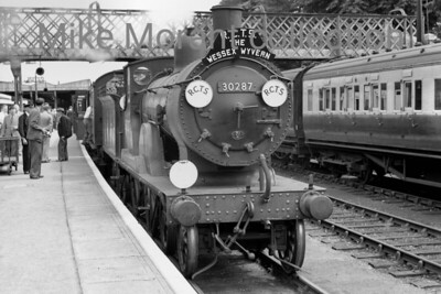 RCTS: Wessex Wyvern 8/7/56 This tour started from Waterloo behind Maunsell 'Schools' no. 30925 Cheltenham as far as Brockenhurst where this shot was taken of ex-LSWR Drummond T9 'Greyhound' 4-4-0 no. 30287 which hauled the next leg as far as Weymouth Junction where entirely different motive power took over the haulage duties to the Quay station. [Mike Morant collection]