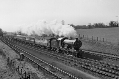 SLS: S.M.J.R. Rail Tour 29/4/56 Immaculately presented Gresley/Holden D16/3 class 4-4-0 no.62605 is depicted here at Wymondley whilst hauling this tour train only as far as Hitchin (via Hertford North) after which she will return home to Cambridge mpd. [Peter Waylett / Mike Morant collection]
