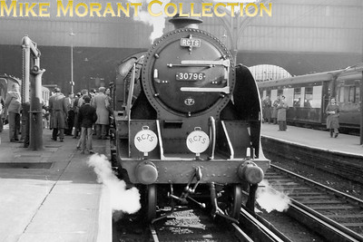 RCTS Sussex Coast Limited 13/4/58 Maunsell N15 'King Arthur' class 4-6-0 no. 30796 Sir Dodinas le Savage ready to depart from Brighton with the return leg to Victoria. [Mike Morant collection]<