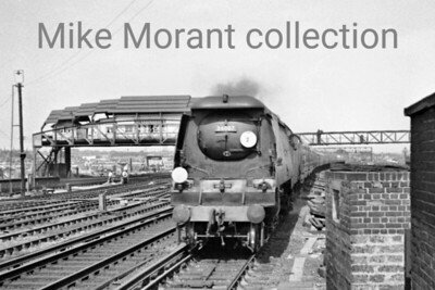 There's usually a wild scramble to buy archive negatives of subsequently preserved locos but it wasn't the case with this one perhaps because the smokebox isn't crisply sharp. However, that doesn't really detract from this evocative shot of Bulleid original light pacific no. 34007 Wadebridge as it approaches Clapham Junction in the early 1950's. [Mike Morant collection]