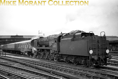 Bulleid rebuilt West Country pacific no. 34025 Whimple on ecs duty at Clapham Junction. [Mike Morant collection]