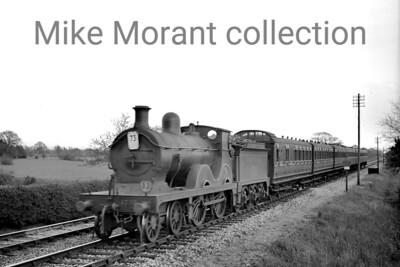 Southern Railway, Wainwright 'D' class 4-4-0 no. 1732 at Staplehurst on 6/6/1938. [J. H. Venn / Mike Morant collection]