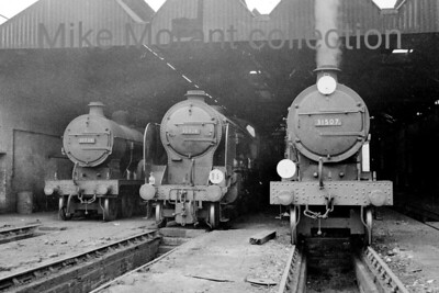 A trio of different Maunsell designed 4-4-0's at their home shed of Bricklayers Arms on 11/7/59. The leftmost of the three is D1 class no. 31939 whilst Schools no. 30928 Stowe occupies the centre with E1 no. 31507 on the right. 31739 and 31507 would see out their working lives at this shed being withdrawn in July and November 1961 respectively. Stowe was reallocated to Brighton in August 1961 and was withdrawn in November 1962 but that was not the end of her story as she has survived into the heritage era owned by the Maunsell Locomotive Society and resides at the Bluebell Railway. [Mike Morant collection]
