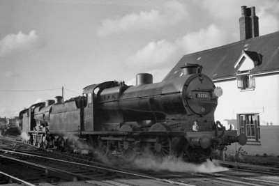 LCGB: The Hayling Farewell tour 3/11/63 Maunsell 'Q' class 0-6-0's nos. 30531 and 30543 are depicted here at Havant prior to taking over haulage duties for the remainder of the tour which would take them to Victoria via Chichester, Lavant, Arundel, Three Bridges, Redhill and East Croydon. Both engines would be withdrawn in 1964.