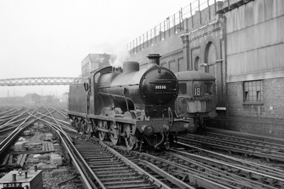 RCTS/LCGB: The Midhurst Belle 18/10/64 Southern Maunsell 'Q' class 0-6-0 no. 30530 at Brighton station.