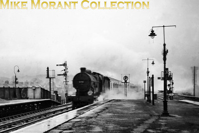 Not the best loco portrait one could see of a Maunsell L1 but this is my kind of photo. Very atmospheric but the engine's crucial identifying digit isn't legible and so we'll have to settle for 3178?. Does anyone recognise this location? [Mike Morant collection]