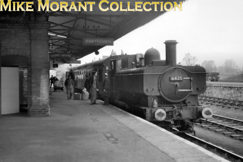 Collett 6400 class 0-6-0PT no. 6435 with a two coach motor set at Yeovil Junction station in 1964. [Mike Morant collection]