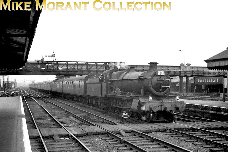 An inter-regional working to Bournemouth passing through Eastleigh station headed by Collett Grange class 4-6-0 no 6834 Dummer Grange. The only date given is 1963 but the shed plate is for 84F Stourbridge Junction which dates it to June or later. [Mike Morant collection]