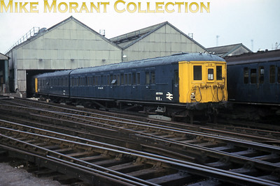 Southern electric de-icing unit 019 ex-works in BR corporate blue livery with double arrows which not all of these units had. This set comprised the motor units from 1925 SUB unit No. 4332.