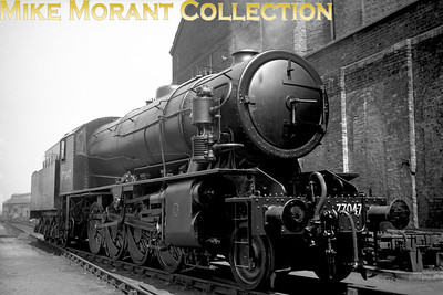 WD Austerity 2-8-0 No. 77047 ex-works at Brighton in June 1947. The allocated BR number was 90139 which was applied in 11/50. 77047 was immediately allocated to Annesley shed and was withdrawn from Canklow mpd in 1965.