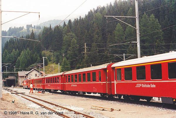 Preda, entrance to the Albula Tunnel, Albula Bahn, 08-1998