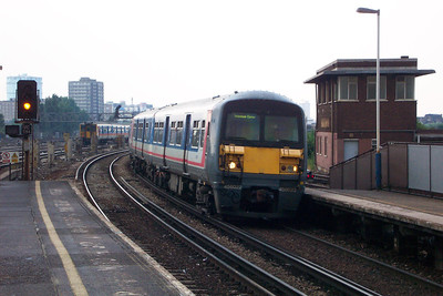 Wimbledon & Clapham Junction (17-06-2003)