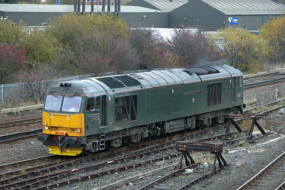 Class 60 No 60081 at Healey Mills on 11 November 2004
