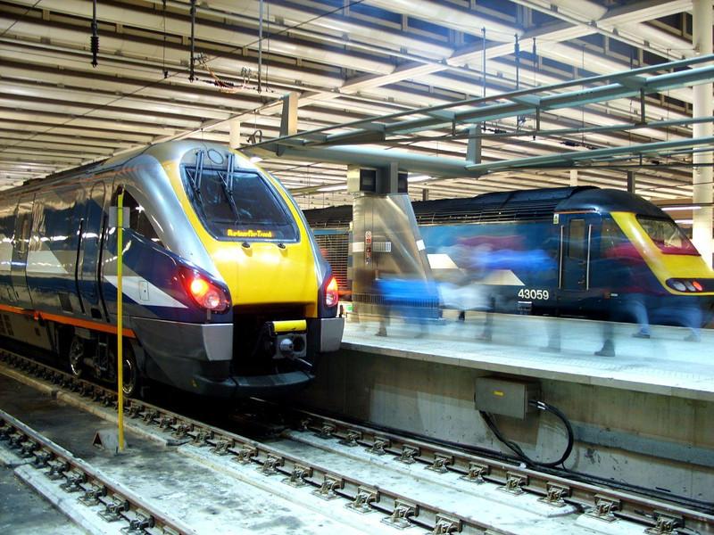 Class 222 & 43059 - London St Pancras
