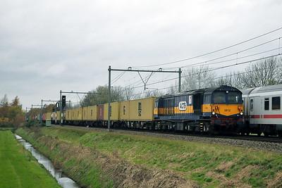 Class 58 No 5812 (58044) near Amersfoort on 10 November 2008
