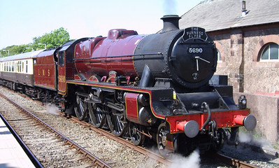 5690 Leander on a Vintage Trains charter at Ravenglass, 30/05/09.