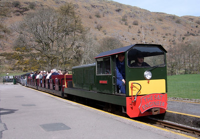 Lady Wakefield, carrying a large headboard for the Institution of Signalling Engineers, arrives at Dalegarth for Boot station, 10/04/10.