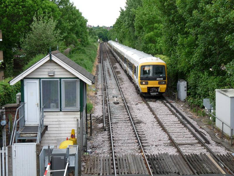 465195 - Charlton Lane Level Crossing